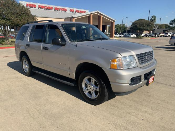 2004 SILVER /gray Ford Explorer XLT 4.0L 2WD (1FMZU63K74Z) with an 4.0L V6 SOHC 12V FFV engine, 5-Speed Automatic Overdrive transmission, located at 14700 Tomball Parkway 249, Houston, TX, 77086, (281) 444-2200, 29.928619, -95.504074 - Photo #0