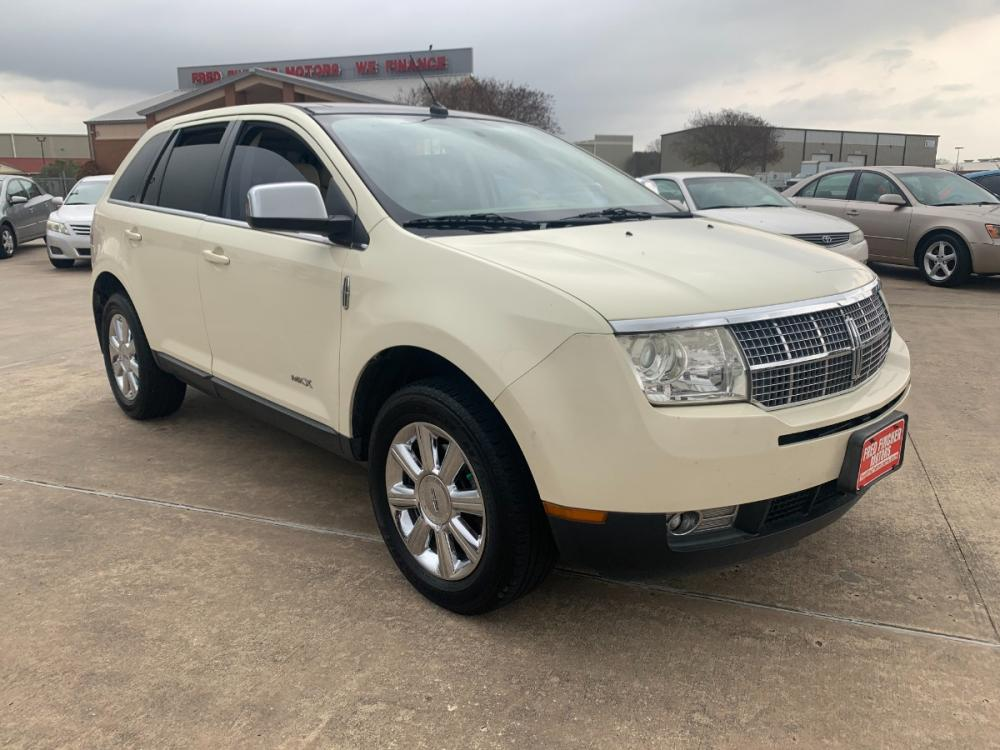 2007 WHITE /tan Lincoln MKX AWD (2LMDU88CX7B) with an 3.5L V6 DOHC 24V engine, 6-Speed Automatic Overdrive transmission, located at 14700 Tomball Parkway 249, Houston, TX, 77086, (281) 444-2200, 29.928619, -95.504074 - Photo #0